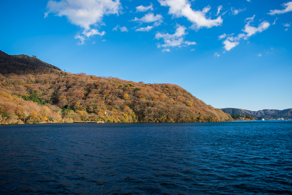 lake ashi in hakone