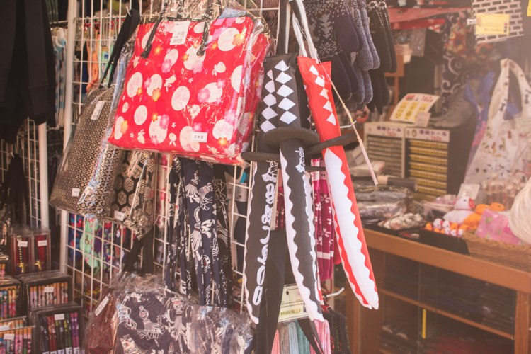 souvenirs to buy in asakusa