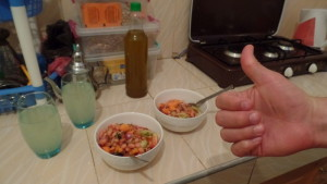 Our first meal: white bean salad with fresh tomatoes, cucumber, carrots and onion.  And nary a xubs (bread) to be found!