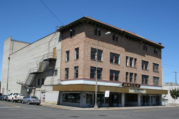 D-Renovations-Projects-Historic-HOLLY THEATER (5)