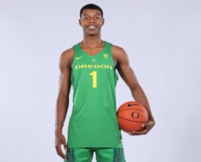Eric Williams Jr., coveted basketball transfer, commits to Oregon ...