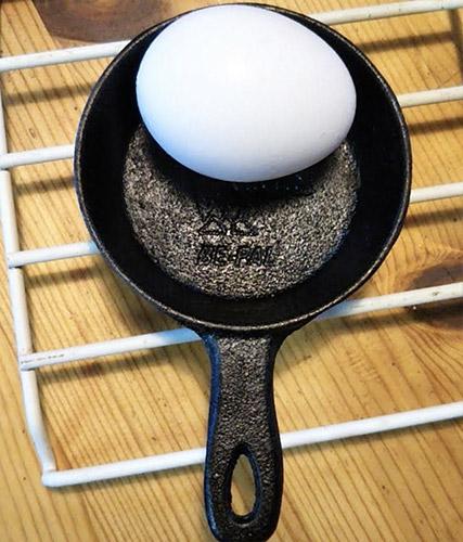 CHUMSミニスキレット卵