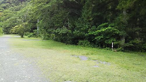 明野キャンプ場奥のサイト