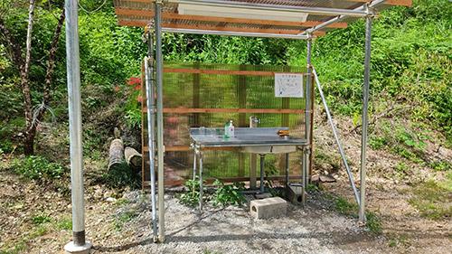 鷲沢風穴キャンプ場洗い場