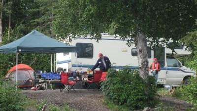 Family_campsite_in_Alaska