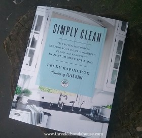 Simply Clean book by Clean Mama