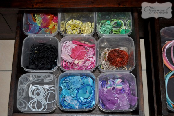 organise girls' hair accessories in a drawer