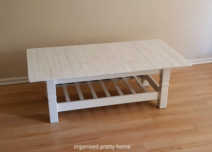 DIY pallet coffee table after