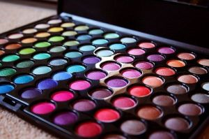 Cómo ordenar tu maquillaje y ¡verte más bella! :)
