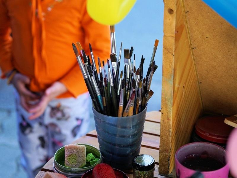 pequeños del hogar pintura libros cuadernos dibujos