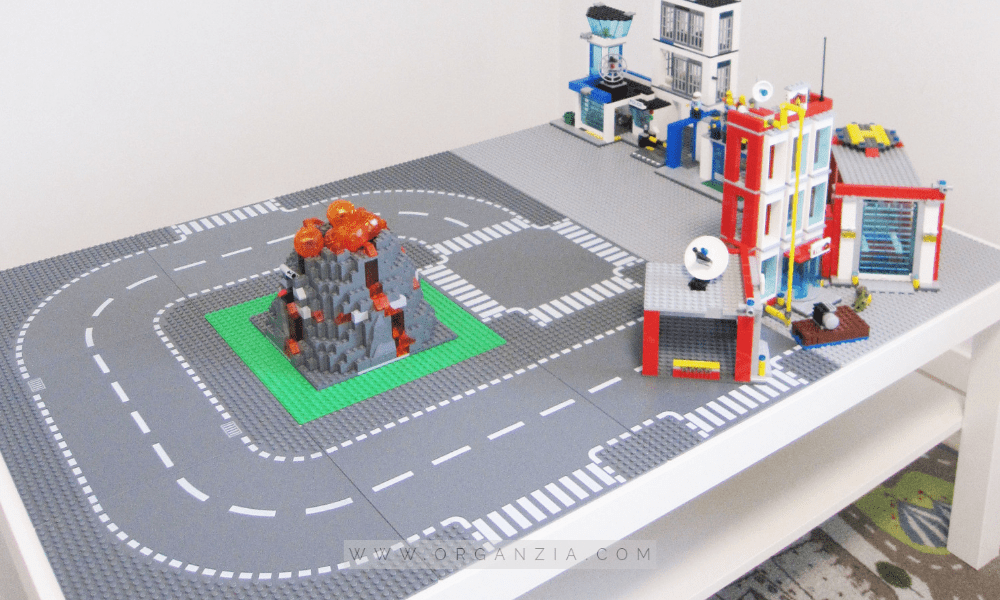 Lego Table - with Lego