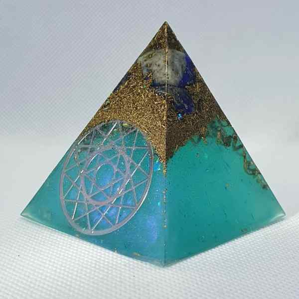 Aquarius Dreams Orgone Orgonite Pyramid 6cm - Radiating with a Lapis Lazuli for wisdom, intuition, and truth. Herkimer Diamonds, Sacred Geomtry, with Brass Protection, I wonder what truth you will find?