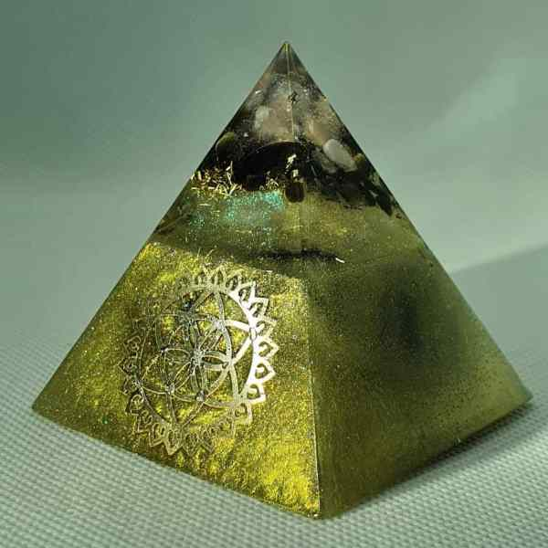 Get Off Your Knees Orgone Orgonite Pyramid 6cm   Radiating colours and strength with Rose Quartz, Golden Obsidian Crystals, Sacred Geometry, Black Tourmaline, Brass and Herkimer Diamonds and Brass for Protection!
