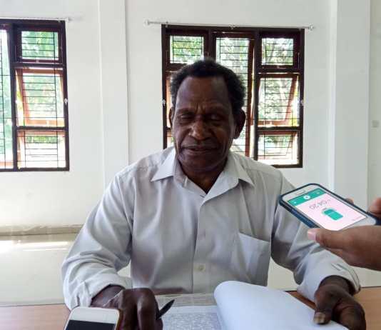 Sekertaris Pokja Adat MRP-PB, Mesakh Kombado