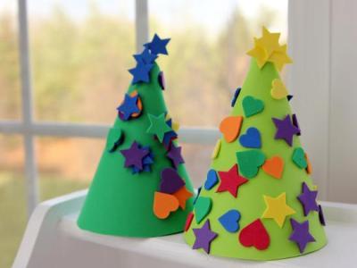arbol-navidad-conico-decorado