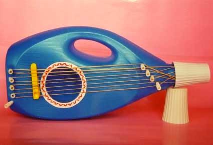 guitarra_hecha_con_botes_pl