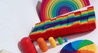 Os presentamos una selección de juguetes de madera que son también materiales educativos, ya que contribuyen a favorecer el aprendizaje en las y los peques, mientras experimentan y juegan con […]