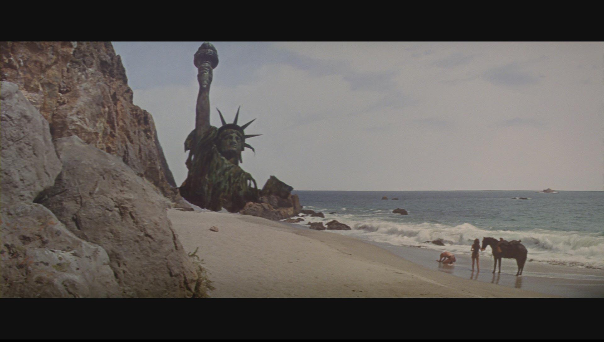 https://i2.wp.com/www.originalprop.com/blog/wp-content/uploads/2009/03/planet-of-the-apes-statue-of-liberty-blu-ray-disc-screencap-hd-1080p-05.jpg
