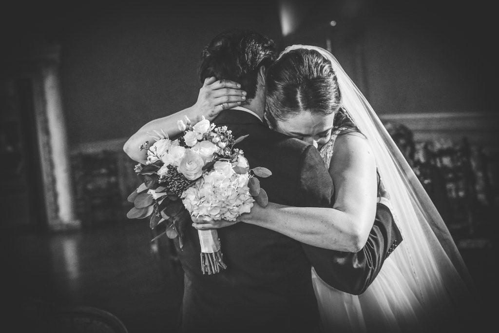 Tara & Alvin dancing during their wedding in Tuscany