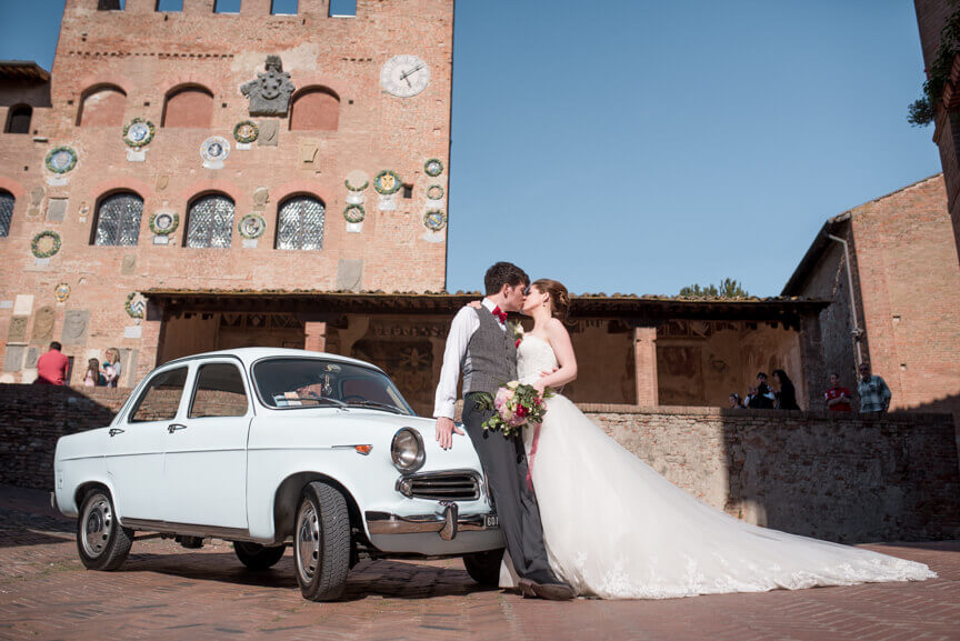 romantic civil wedding in Certaldo