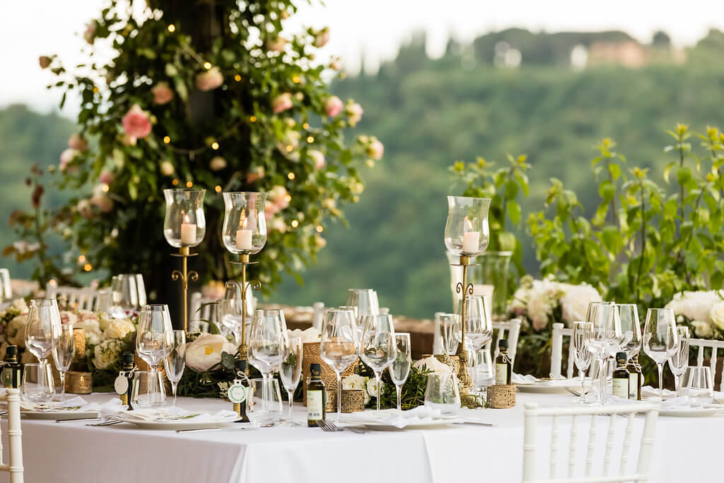 wedding dinner in a tuscan villa