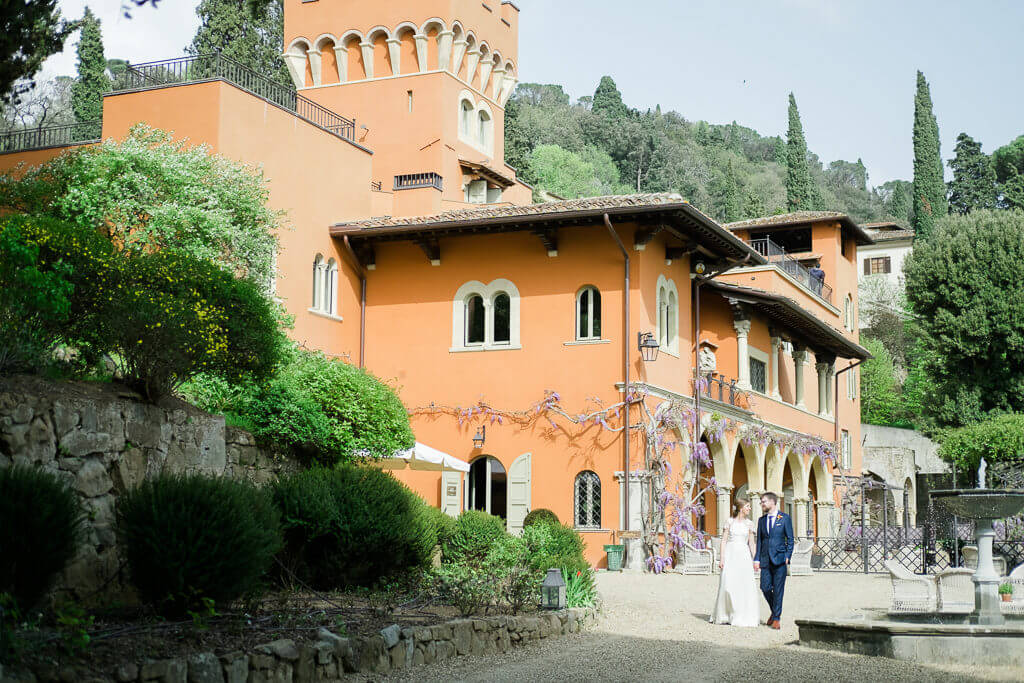 intimate wedding in April in Italy