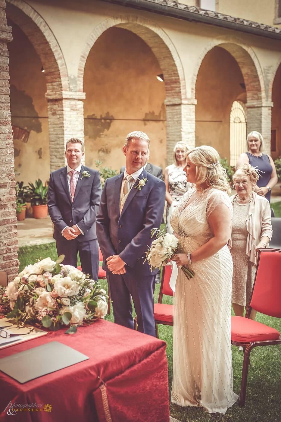 legal wedding in Tuscany