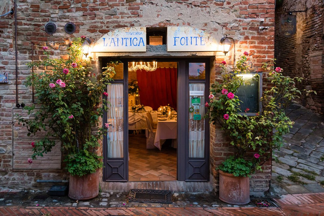 wedding dinner in Certaldo
