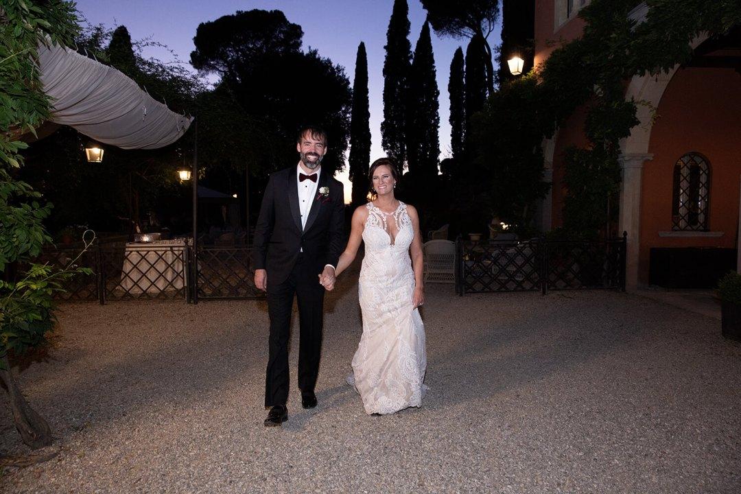 al fresco wedding dinner in Tuscany