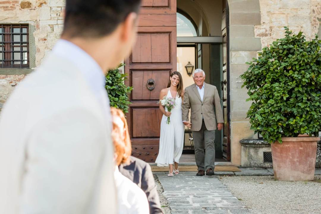 wedding ceremony at Castello di Gabbiano