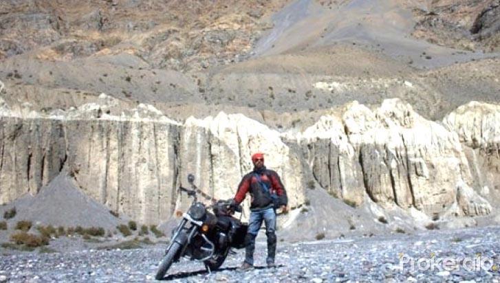 abhimanyu-chakrovorthy-Motorcyclist on a multi-nation anti-plastic mission