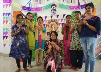 Postgraduate girls of English department of SCS College in Puri take a pledge against plastic