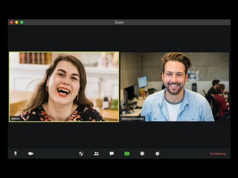 2 people in a video conference