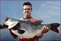 Captain Ed Chancey with his 16lb 10oz Lake Toho bass fishing trip record