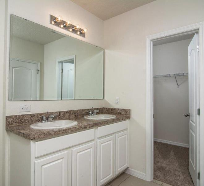 3429 Seneca - Captiva Master Bathroom