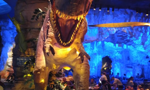 Dining in the Prehistoric Age: A Review of T-Rex Cafe