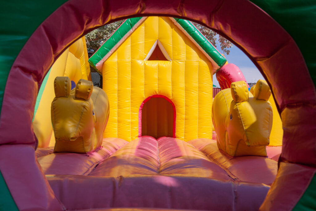 rent a bouncy house in orlando