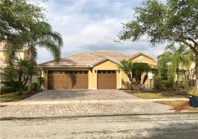 3782 EAGLE ISLE CIR,KISSIMMEE,Florida 34746,4 Bedrooms Bedrooms,2 BathroomsBathrooms,Residential lease,EAGLE ISLE,O5700040