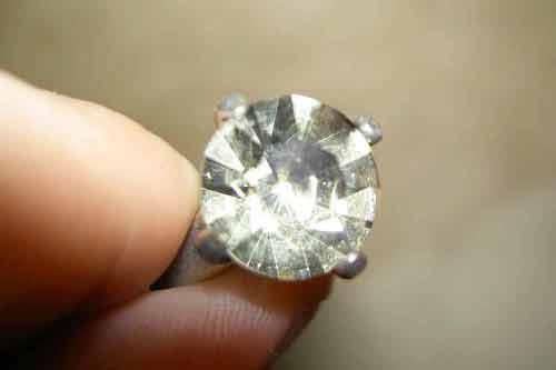 Diamanti E Pietre Preziose è Possibile Venderli Nei Compro