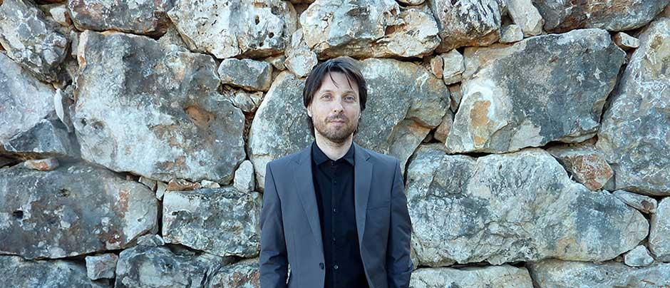 El maestro Roberto Forés dirigirá en el próximo programa de la Orquesta de Extremadura
