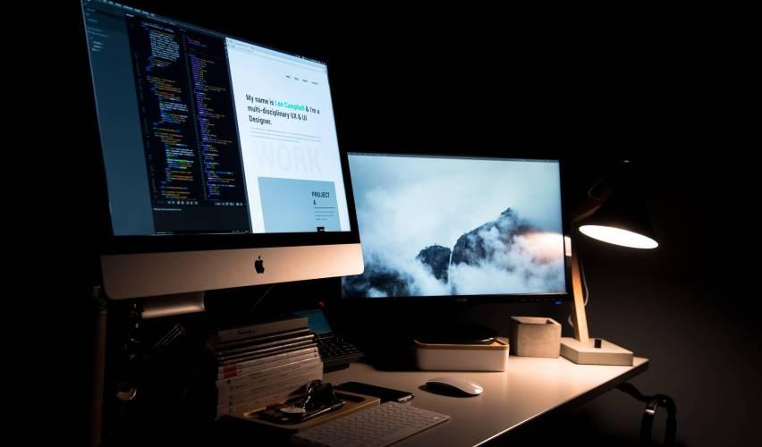 apple books desk keyboard
