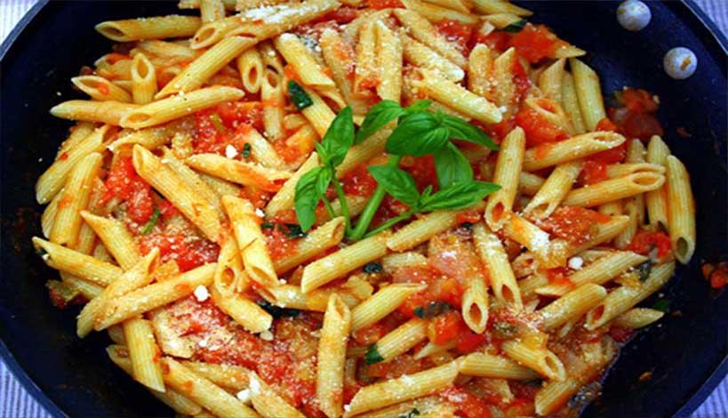 Aγιορείτικες Μοναστηριακές Συνταγές : Πένες με σάλτσα πιπεριάς