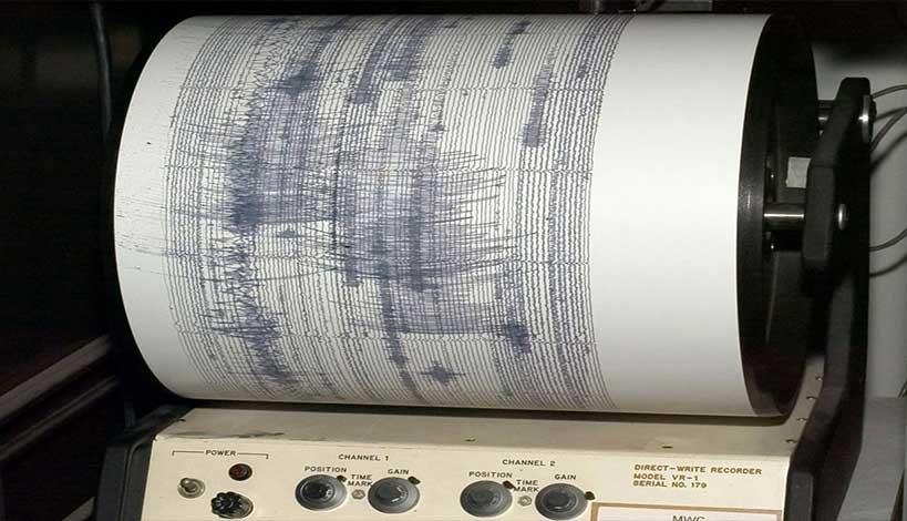Λέσβος - Σεισμός: Ανήσυχοι οι Παπαζάχος και Τσελέντης