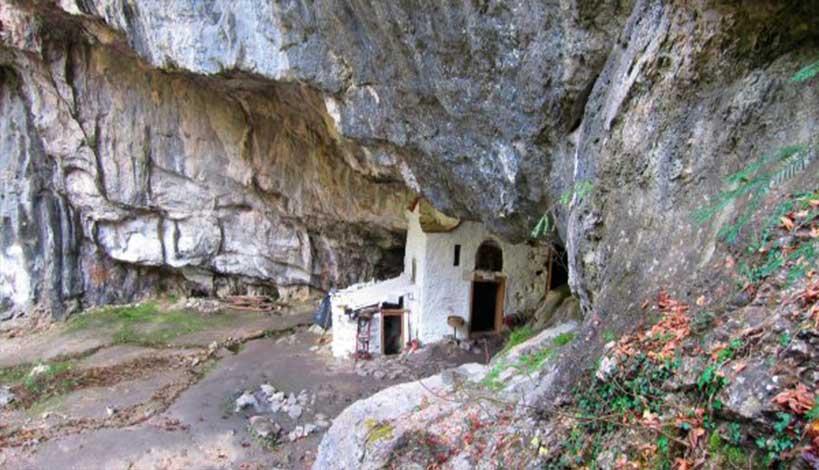 Άγιον Όρος : Τα μυστηριώδη σπήλαια του Άθω ΒΙΝΤΕΟ