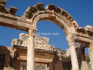 Turkey_Ephesus_Archway