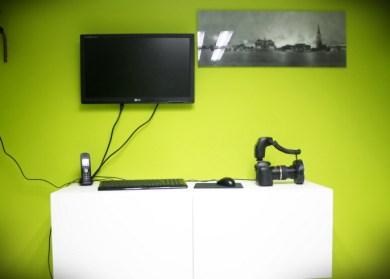 Beeldscherm en camera voor het maken van de foto's