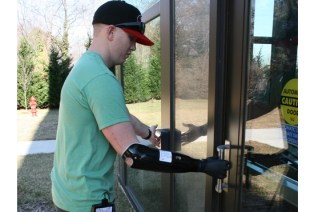 US Marine Receives First Prosthetic Arm Controlled by Implantable Sensors