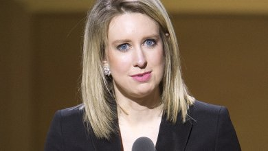 Photo of Walgreens severs ties with Theranos, boots blood tests from all locations
