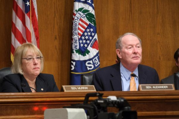 Lamar Alexander and Patty Murray announce bipartisan Senate deal to prop up Obamacare