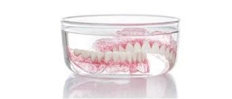 perawatan gigi palsu